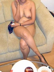 Sexy Wife in Sexy Dress Possing Nude Pics