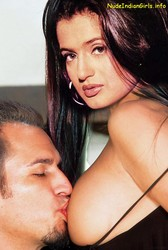 Amisha Patel Fingering in Her Pussy & Showing Boobs [Fake]