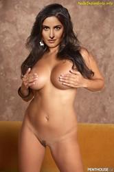Katrina Kaif Showing Her Nude White Body Pics [Fake]