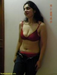 Sexy Suman Bhabhi In Red Bra & Panty Pics