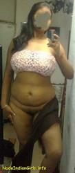 Desi Aunty Neetu Showing her Boobs & Pussy Pics